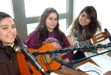 En avant-première du Fa7, une chanson de Joëlle, Laura, Bernardita
