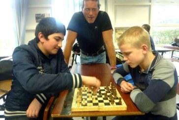 Pour s'initier et jouer aux échecs…