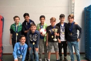la 1C2 remporte le tournoi de mini-foot des 1ères